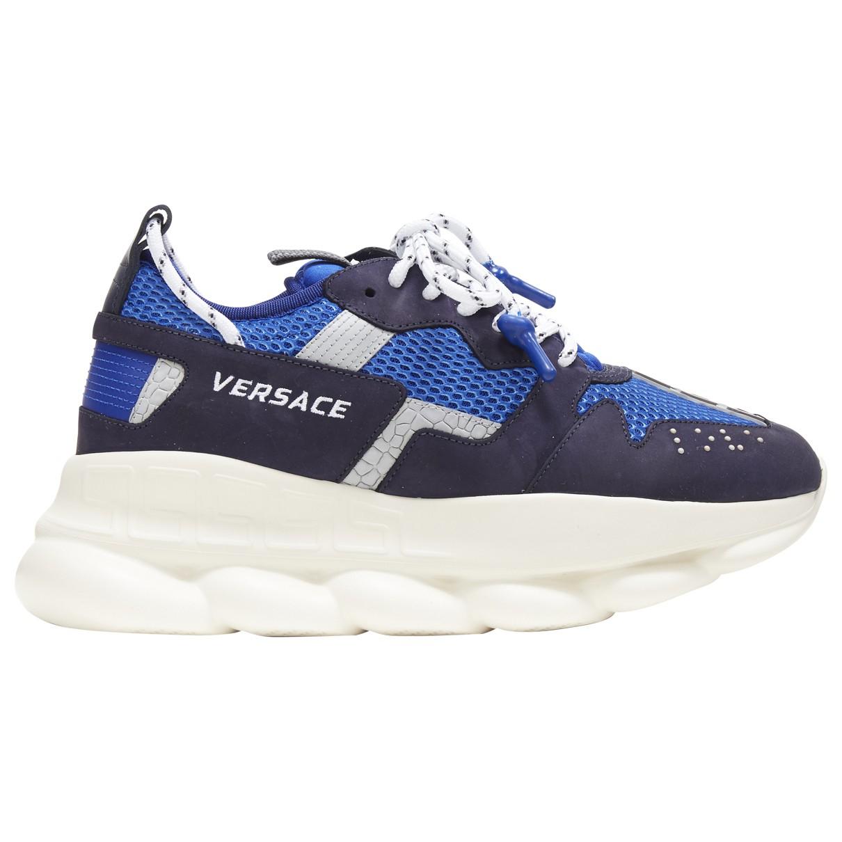 Versace Chain Reaction Sneakers in  Blau Leder