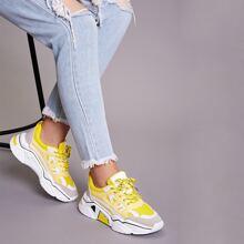Zapatos gruesos con cordon delantero