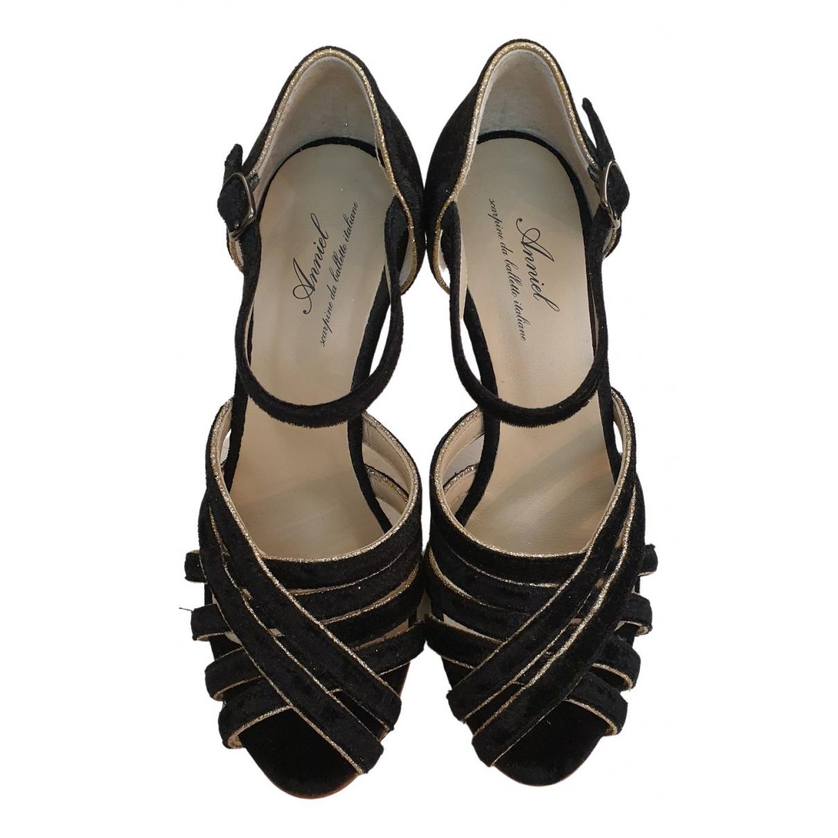 Sandalias de Terciopelo Anniel