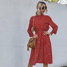 A-Linie Kleid mit Konfetti Herzen Muster und Rueschenbesatz