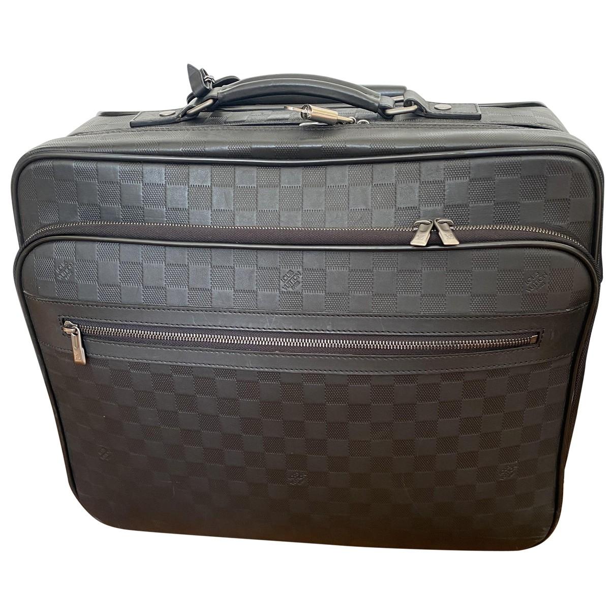 Louis Vuitton Pilot Case Taschen in  Schwarz Leder