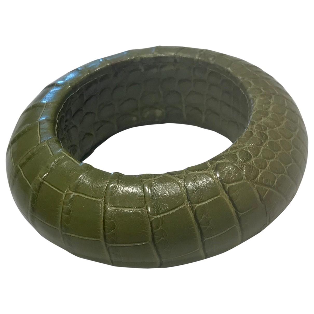 Loewe \N Armband in  Gruen Krokodil