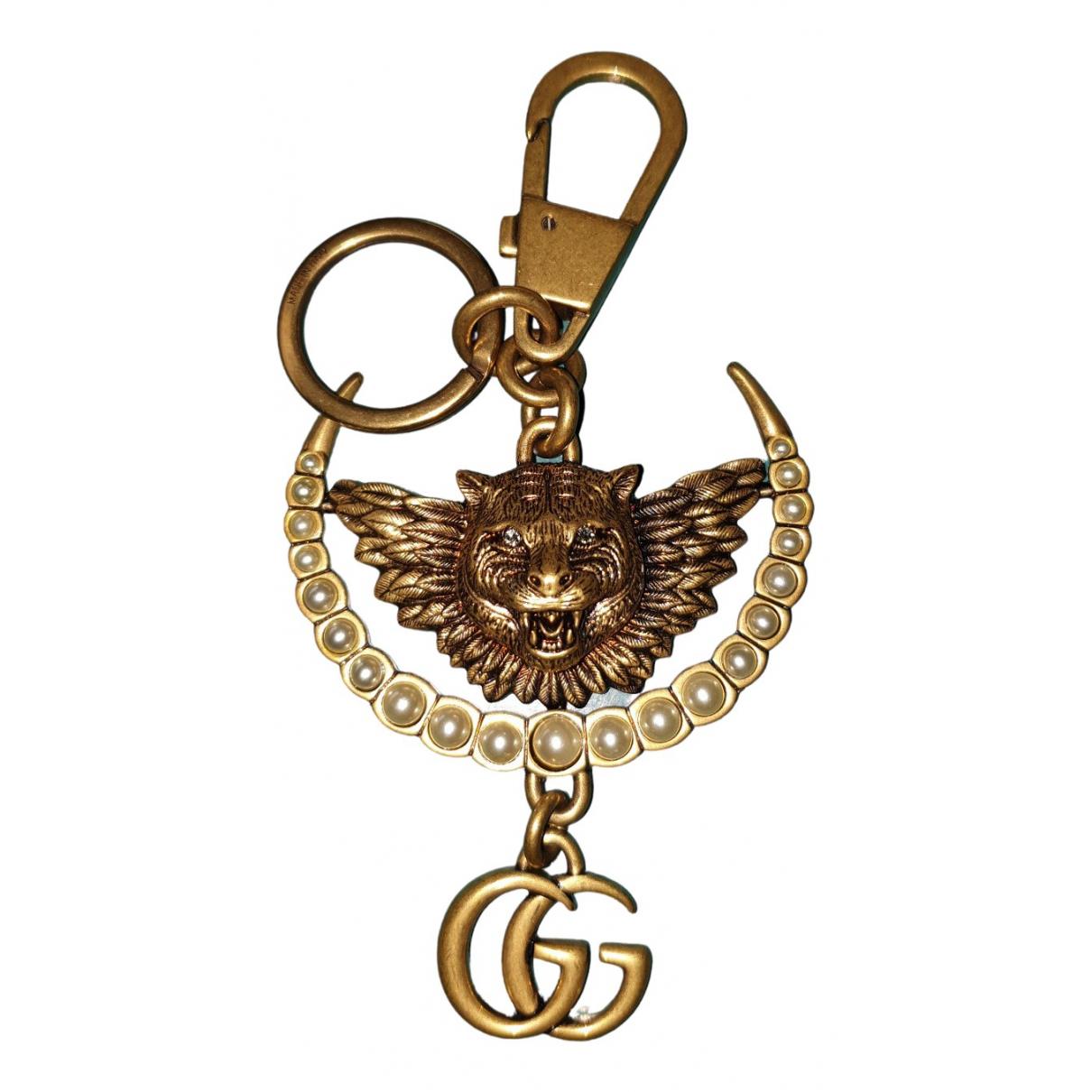 Gucci \N Taschenschmuck in  Gold Metall