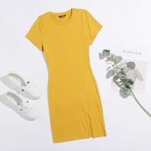 Einfarbiges Kleid mit Schlitz