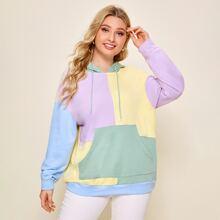 Capucha de color combinado con bolsillo de hombros caidos