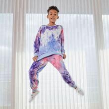 Conjunto pullover de tie dye con pantalones