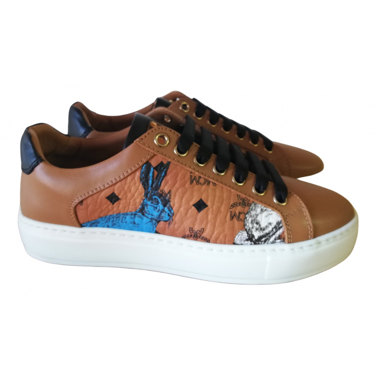 Mcm \N Camel Leather Trainers for Women 35 EU