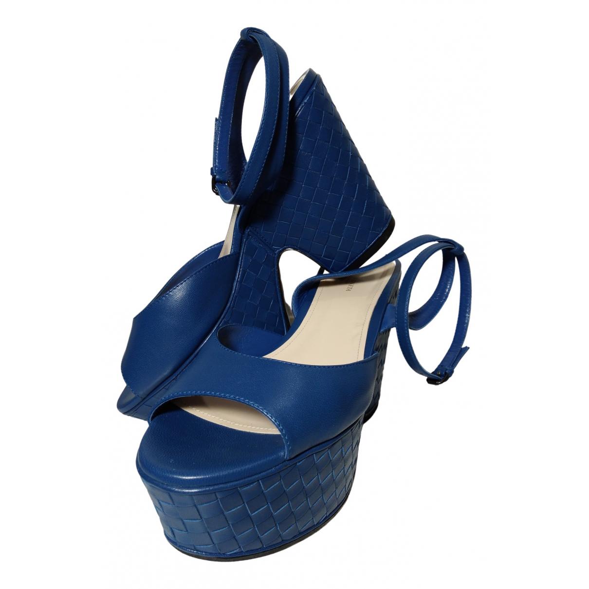 Bottega Veneta \N Sandalen in  Blau Leder