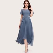 Chiffon Kleid mit Flatteraermeln und Stickereien