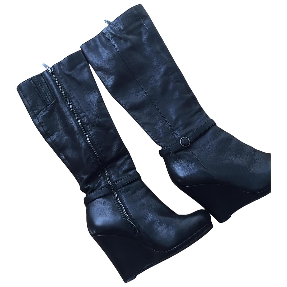 Dkny \N Stiefel in  Schwarz Leder
