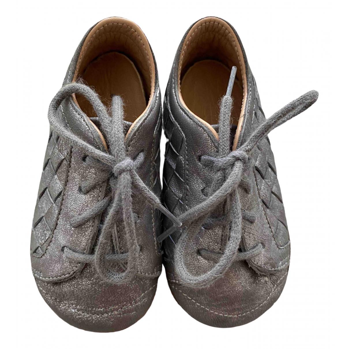 Bottega Veneta \N Silver Leather First shoes for Kids 19 FR