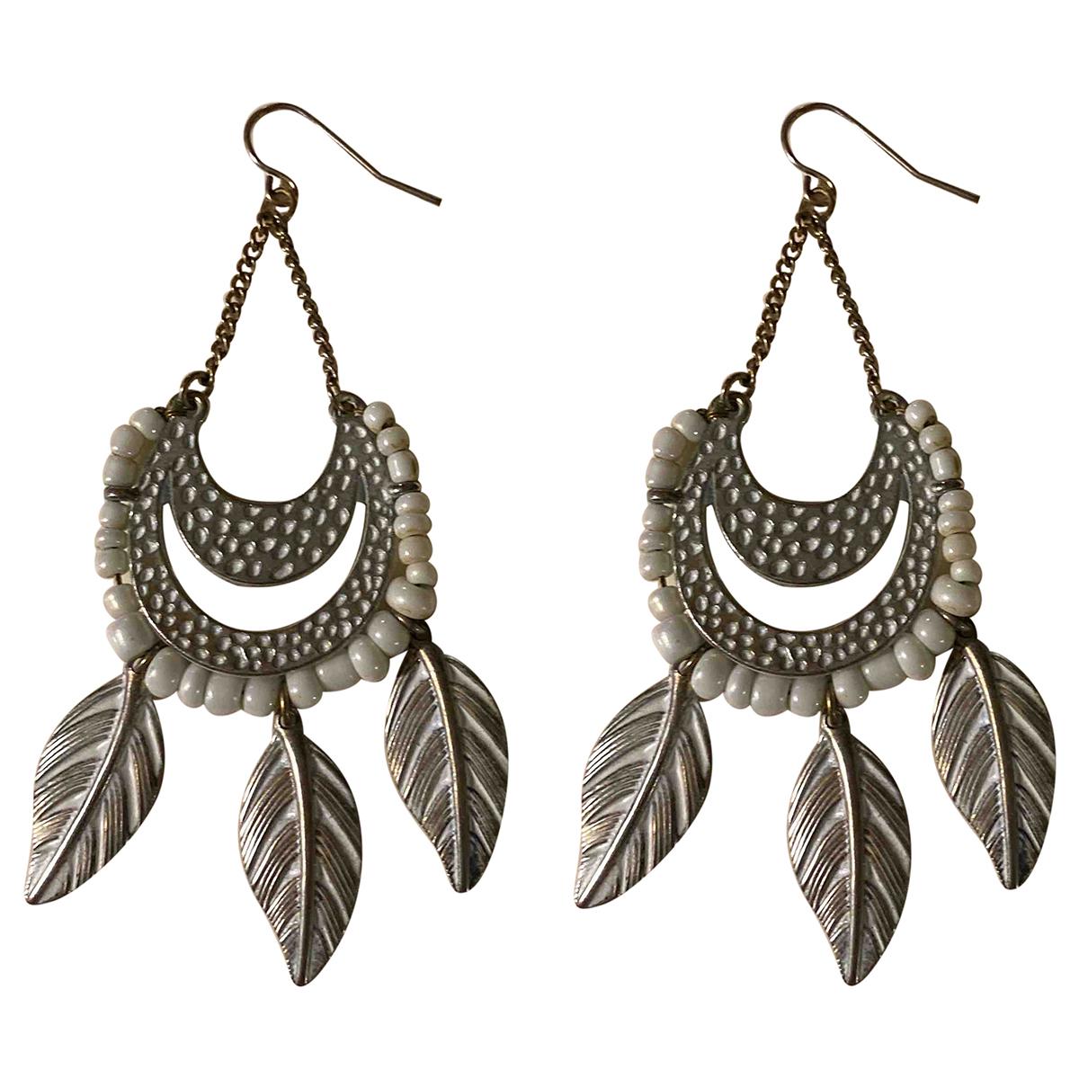 - Boucles doreilles Motifs Floraux pour femme en metal - gris
