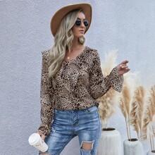 Bluse mit Leopard Muster und Rueschenbesatz