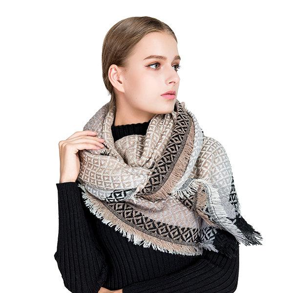 135CM Women Vintage Warm Cashmere Blend Scarf With Tassel Winter Soft Shawls Square Scarves