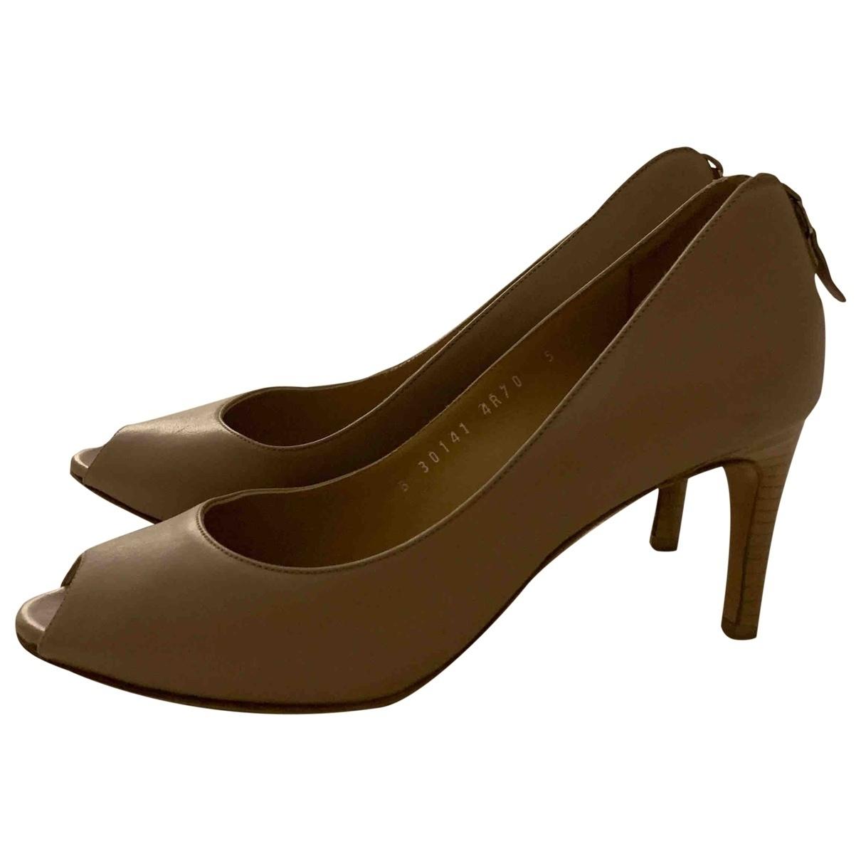 Salvatore Ferragamo \N Beige Leather Heels for Women 35 IT