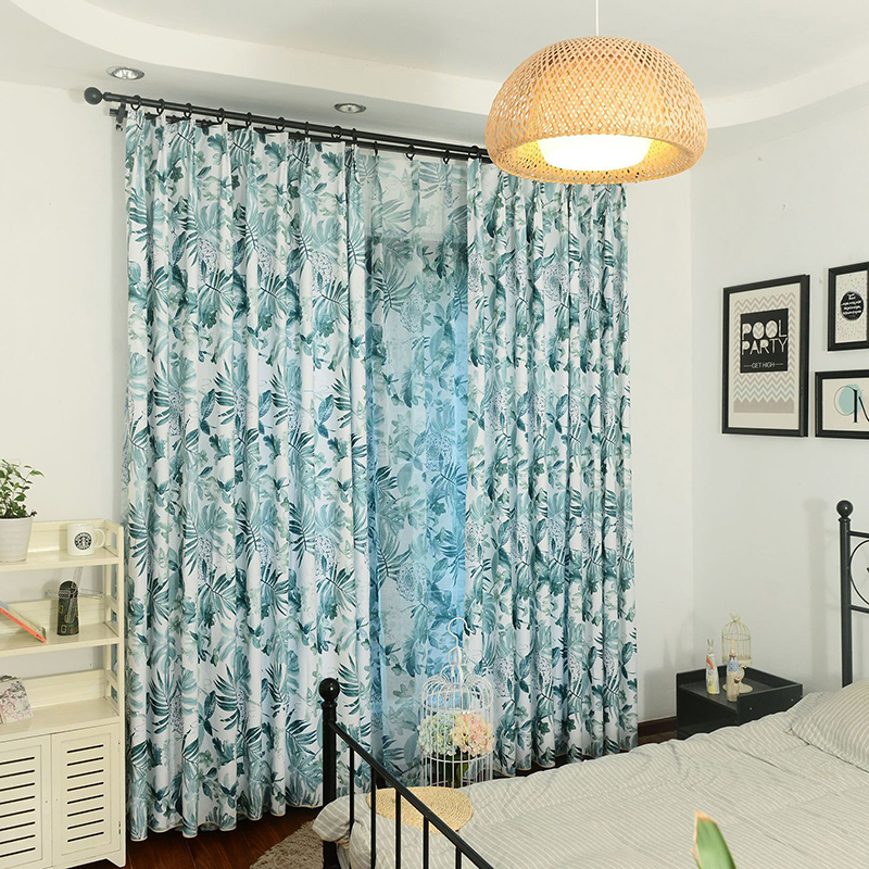 Classic Design Floral Curtain Smooth Drapes Blackout Curtain