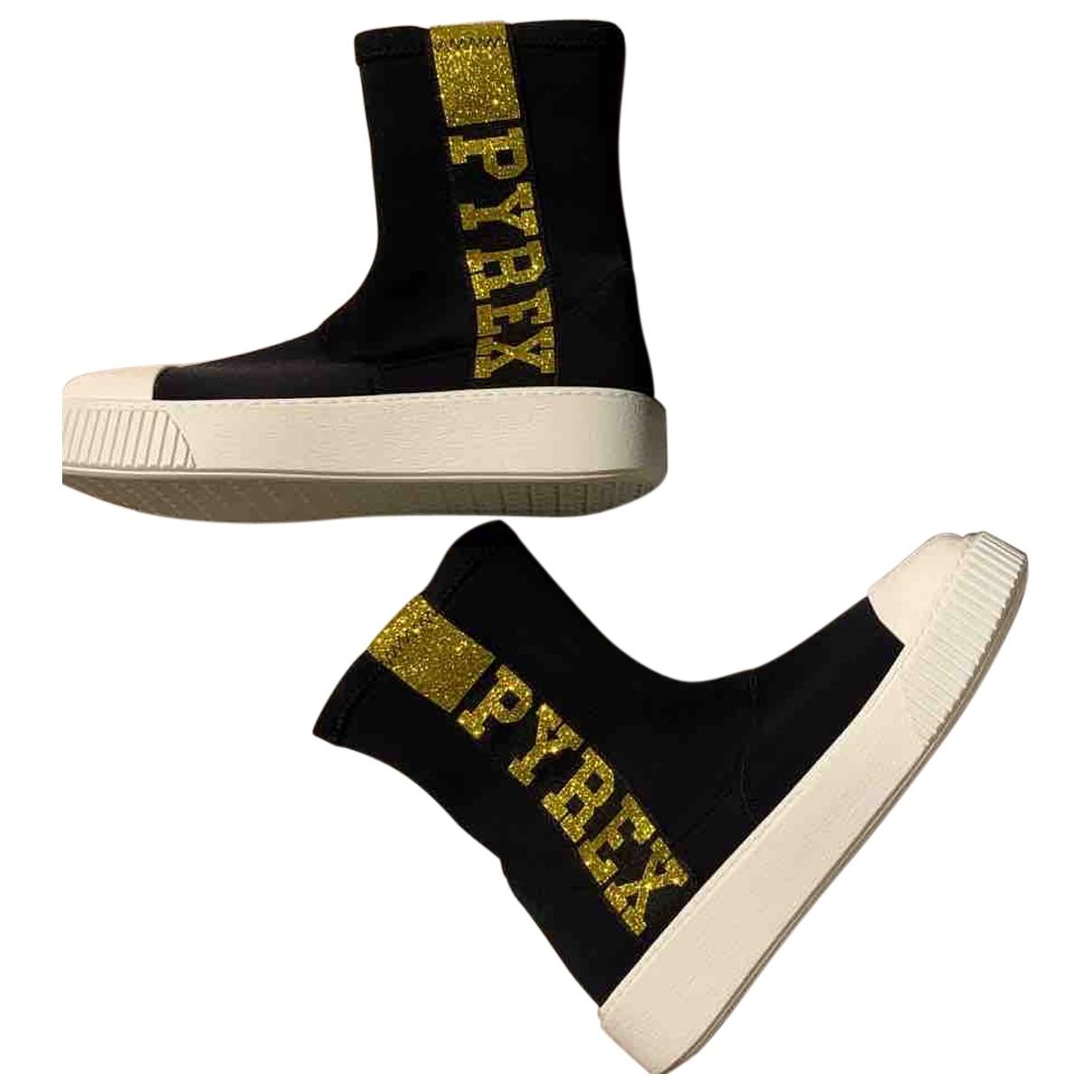 Pyrex \N Sneakers in  Schwarz Leinen