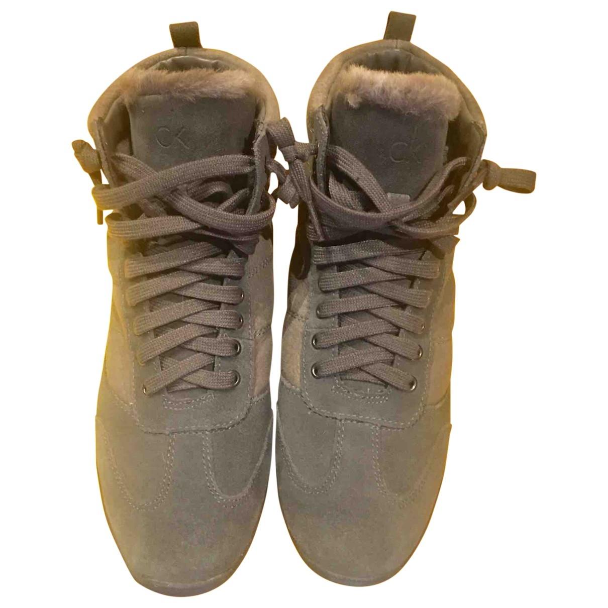 Calvin Klein \N Sneakers in  Grau Veloursleder