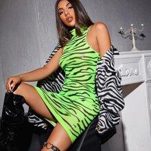 Transparentes figurbetontes Neon Lime Kleid mit Zebra Streifen