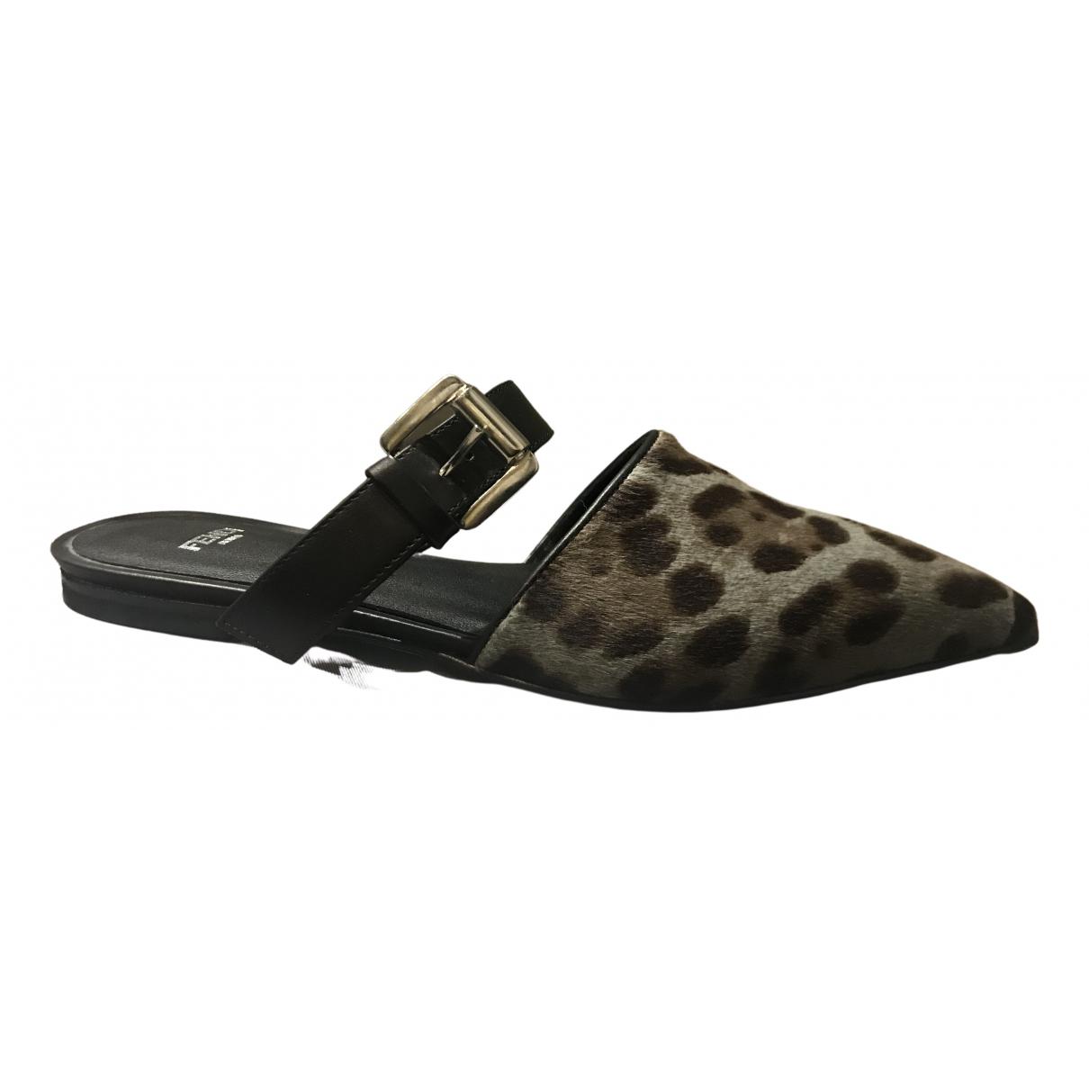 Fendi \N Khaki Fur Sandals for Women 38 EU