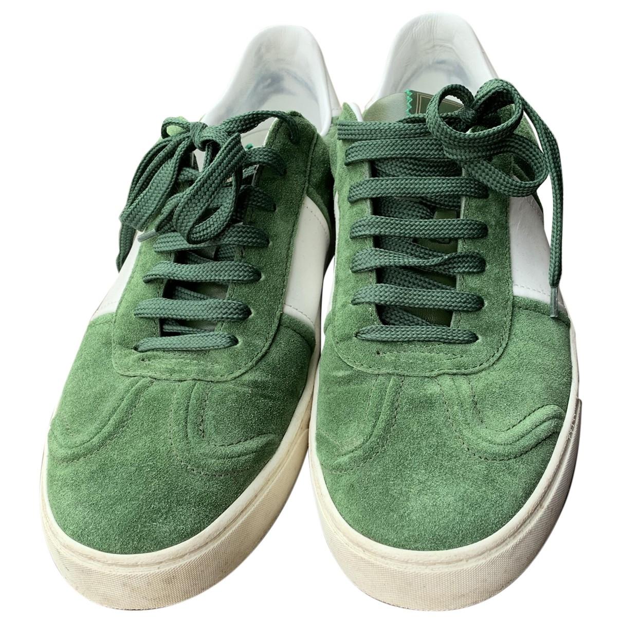 Valentino Garavani Rockstud Sneakers in  Gruen Veloursleder