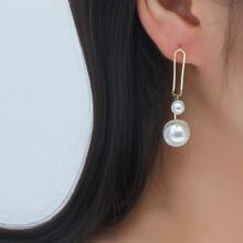 Ohrringe mit Kunstperlen