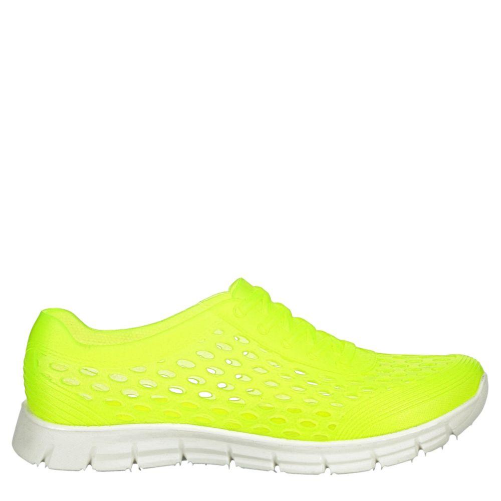 L4L Womens Skye Slip-On Shoes Sneakers