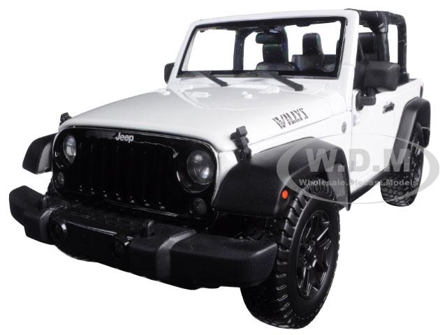 2014 Jeep Wrangler Willys White 1/18 Diecast Model Car by Maisto