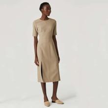Kleid mit Elasthan und Schlitz