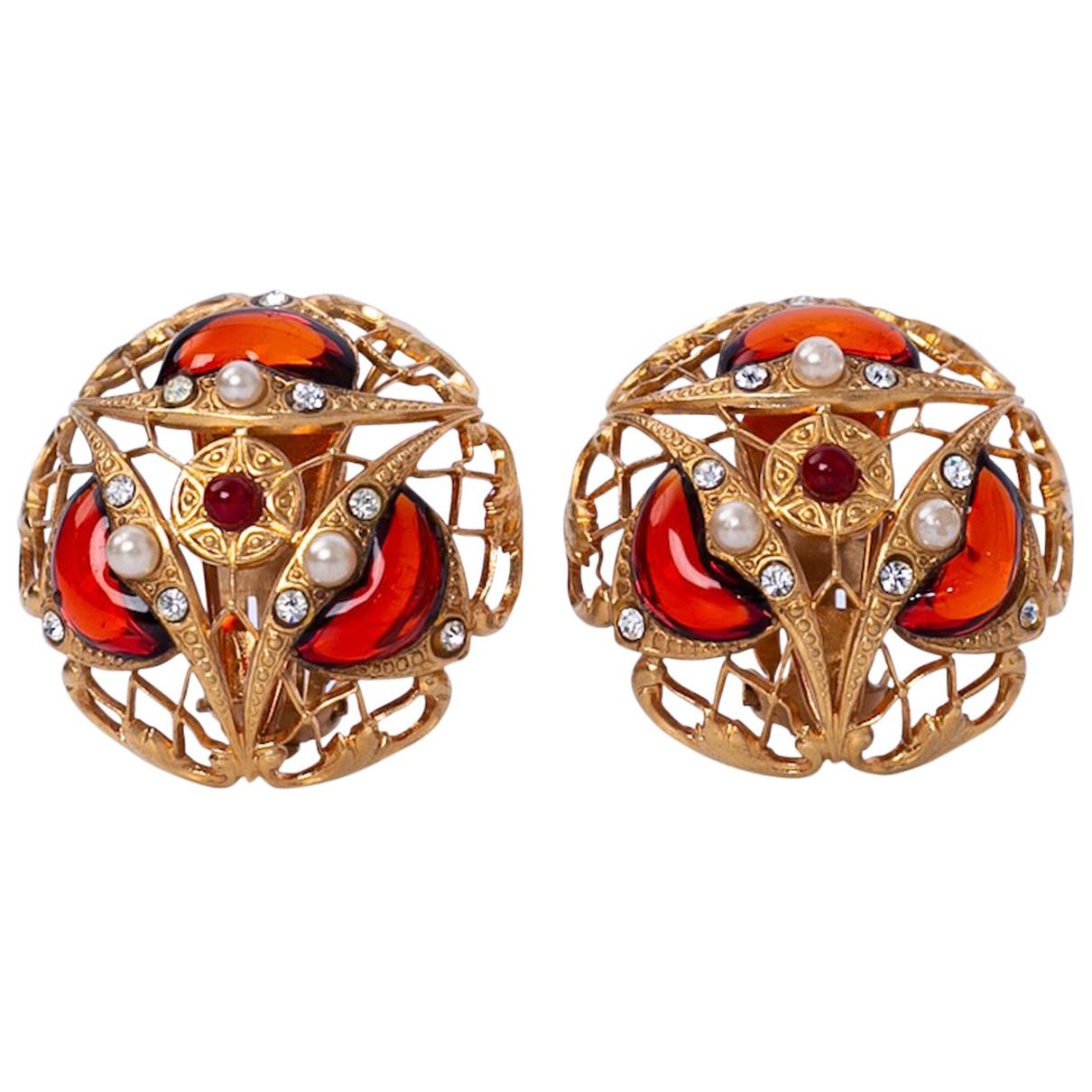 Chanel - Boucles doreilles Baroque pour femme en metal - rouge