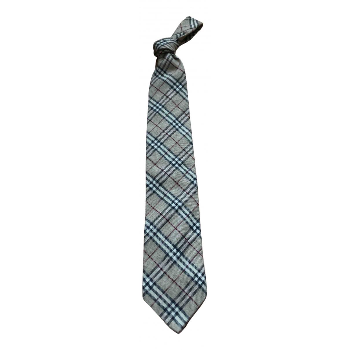 Burberry \N Krawatten in  Beige Kaschmir