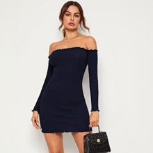 Strick schulterfreies Kleid mit gekraeuseltem Saum