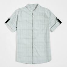 Hemd mit gerollten Ärmeln, Karo Muster und Knopfen