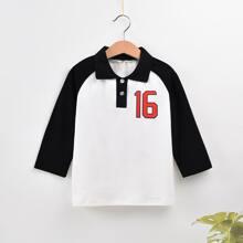 Polo Shirt mit Buchstaben Grafik und Raglanaermeln