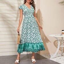 Kleid mit Pflanzen & Stamm Muster, Raffung und Manschetten