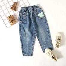 Karotte Jeans mit Kontrast Taschen