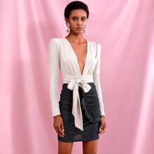 vestido brillante con diseño de fruncido con cordon delantero