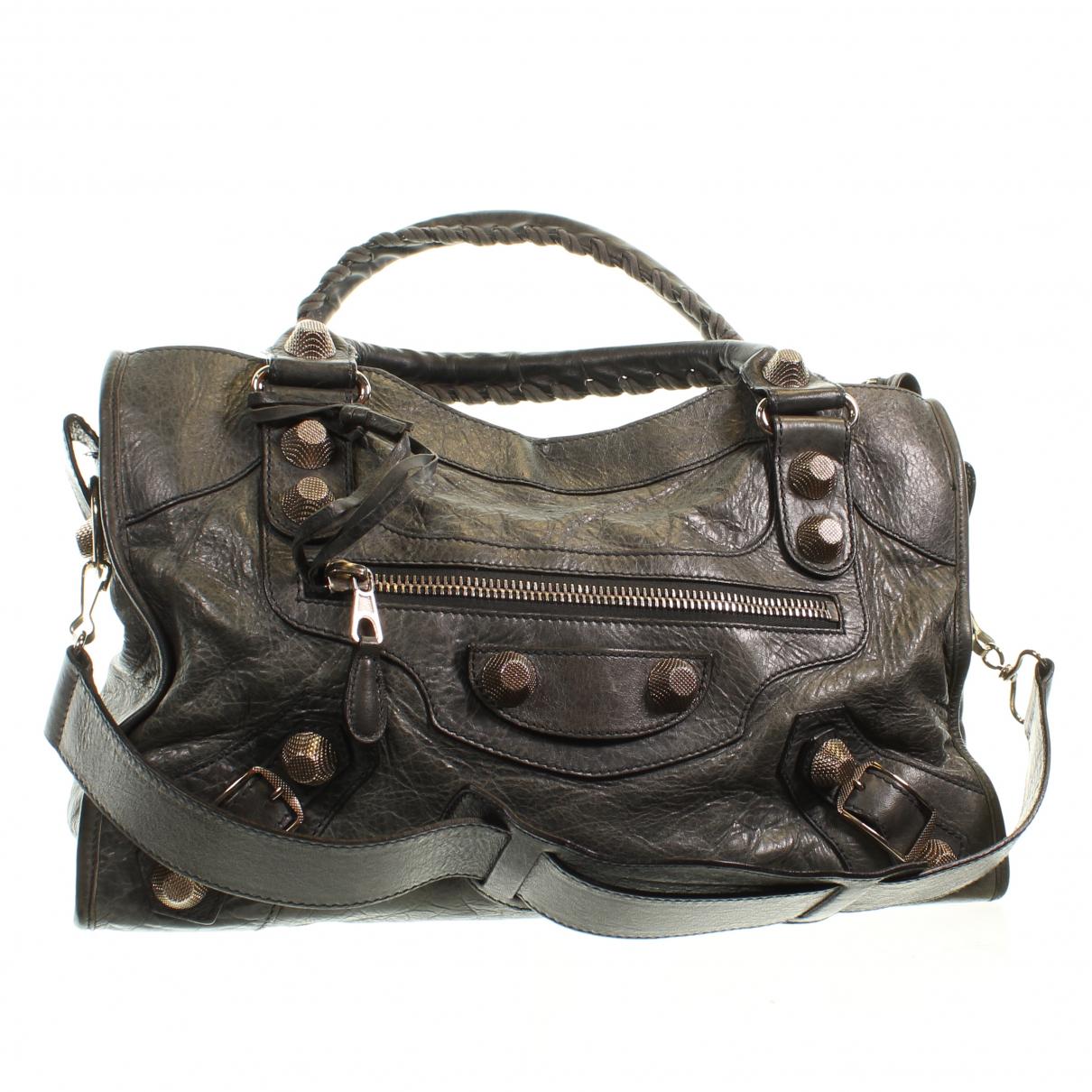 Balenciaga \N Clutch in  Gruen Leder
