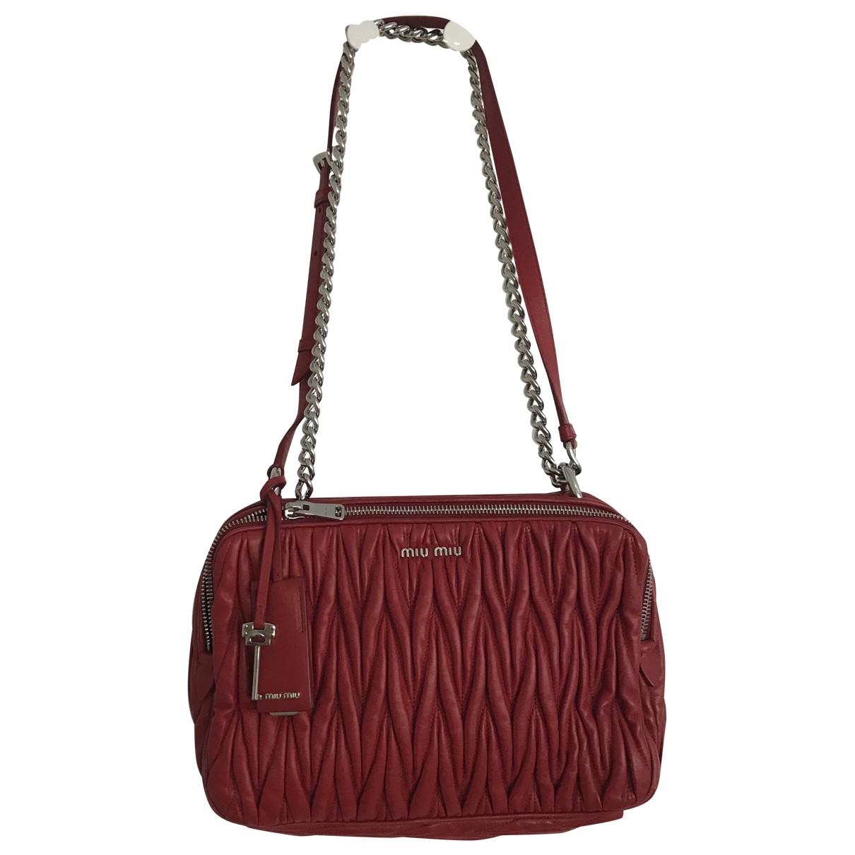 Miu Miu Matelasse Handtasche in  Rot Leder