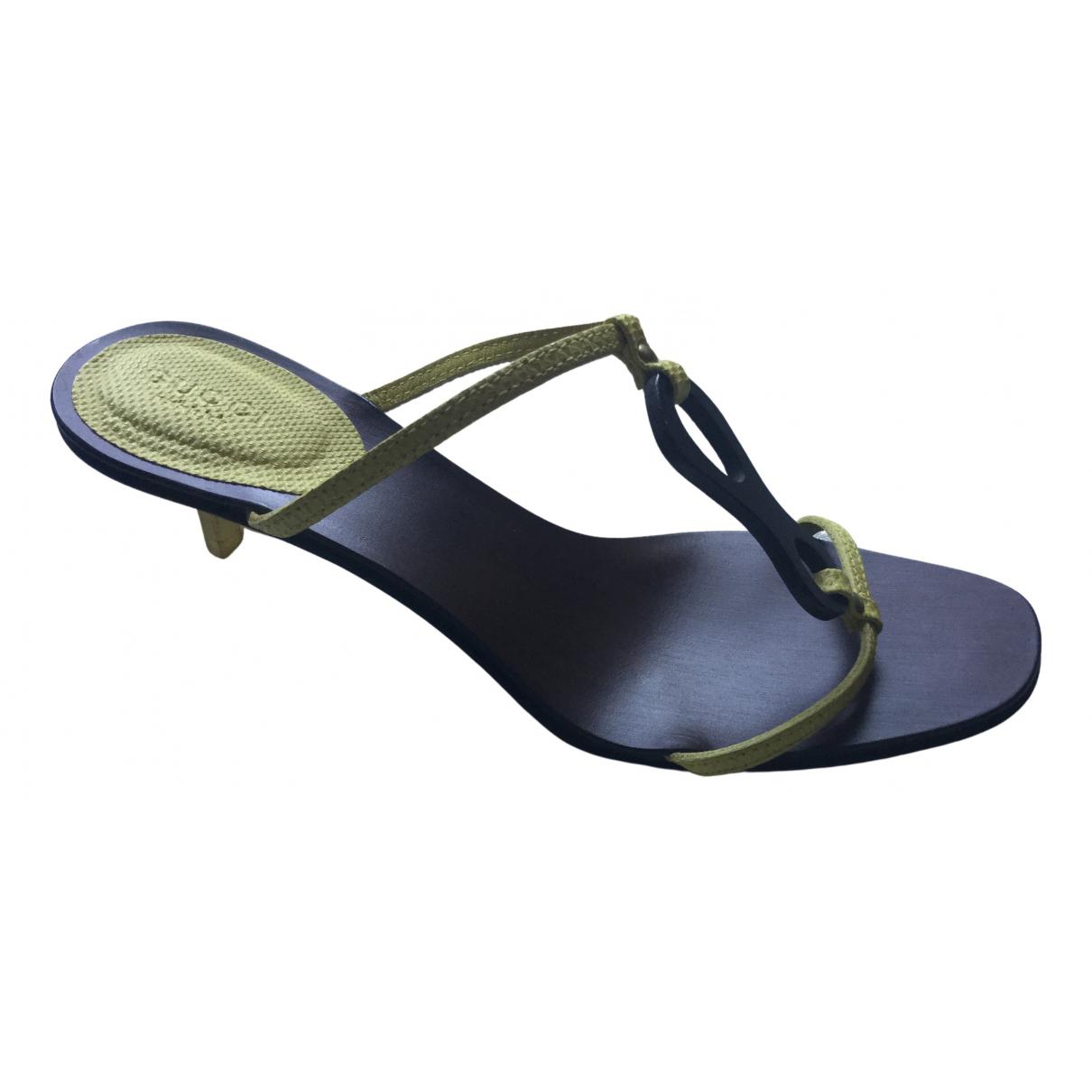 Gucci \N Sandalen in  Gelb Leder