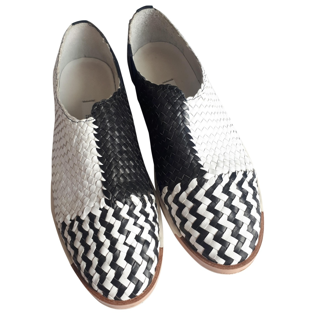 Miista \N Black Leather Flats for Women 40 EU