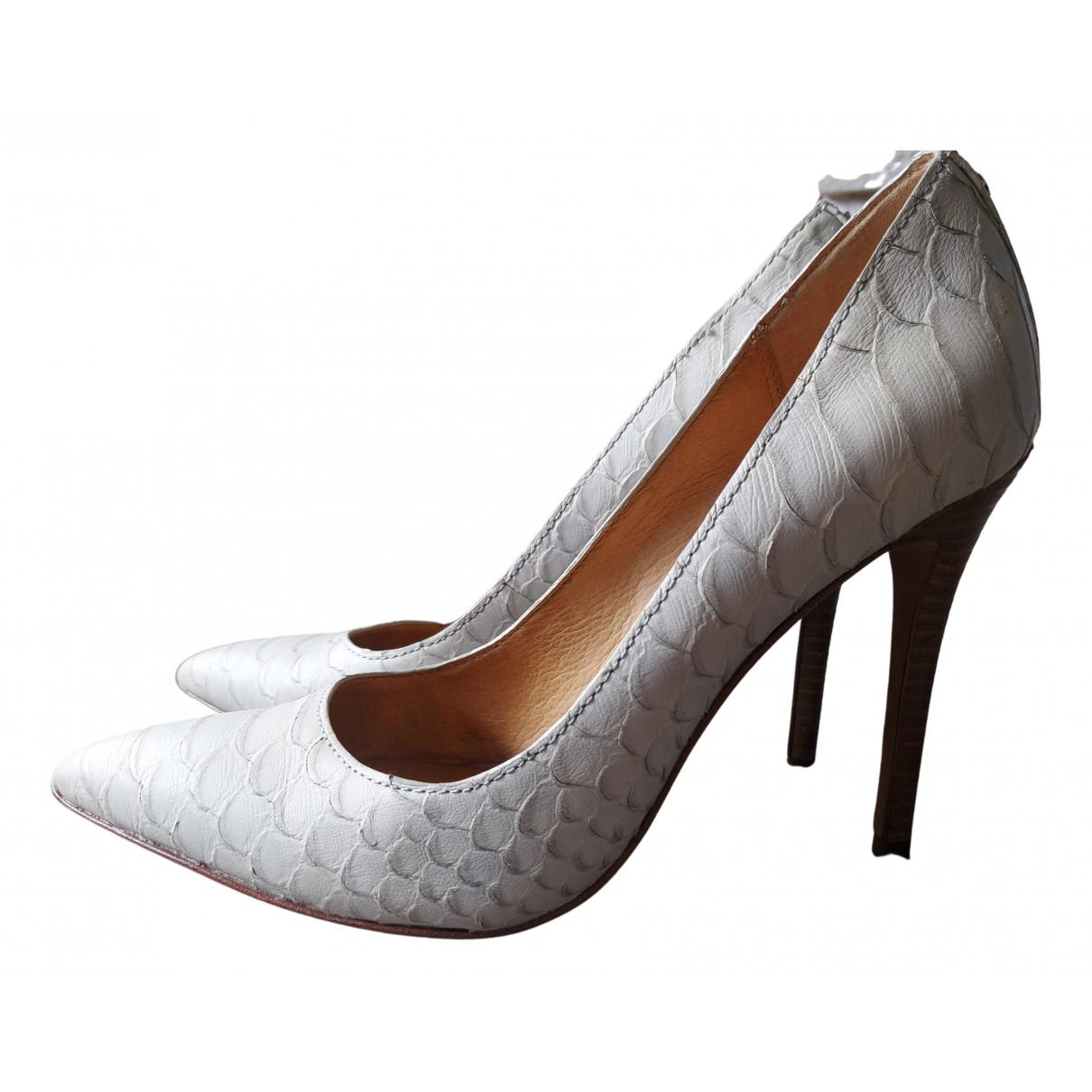 Coach N White Leather Heels for Women 37.5 EU