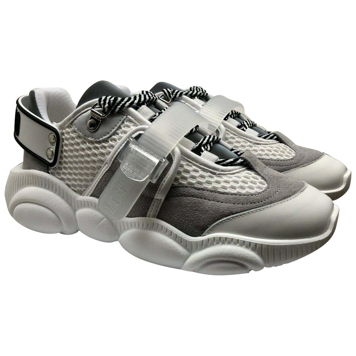 Moschino \N Sneakers in  Weiss Leder