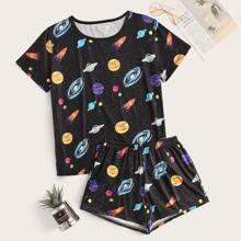 Top mit Galaxis Muster und Shorts PJ Set