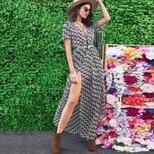 Kleid mit V Ausschnitt und Geo Muster