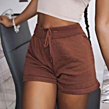 Einfarbige Shorts mit Kordelzug auf Taille