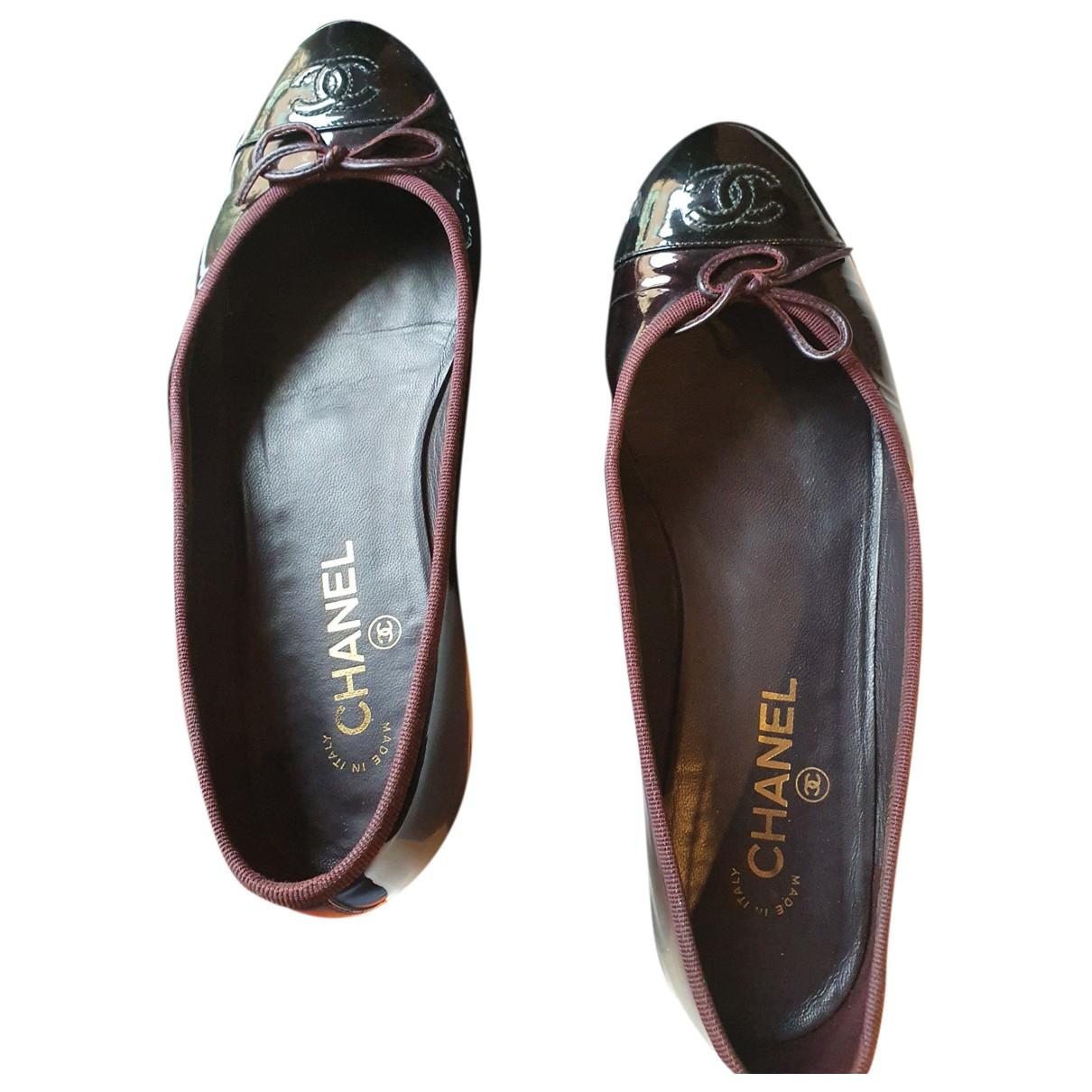 Chanel \N Ballerinas in  Schwarz Lackleder