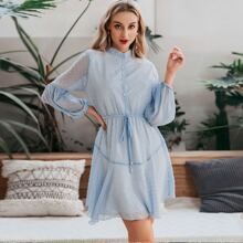 Kleid mit Taillenband, Laternenaermeln und Punkten Muster