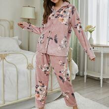 Conjunto de pijama con estampado floral