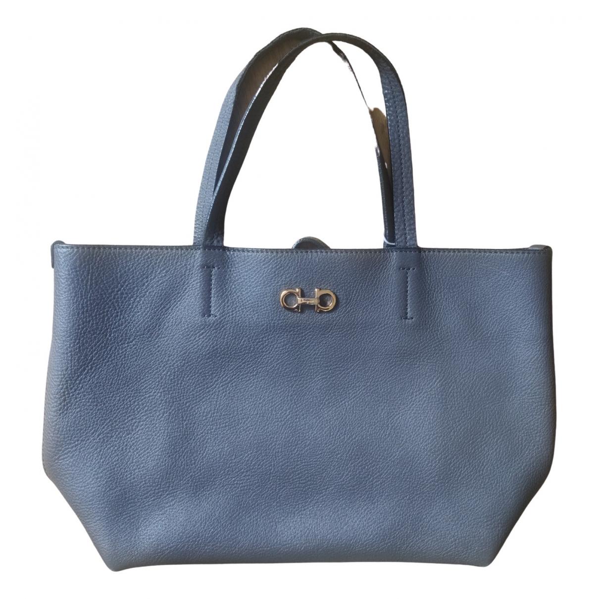 Salvatore Ferragamo \N Grey Leather handbag for Women \N